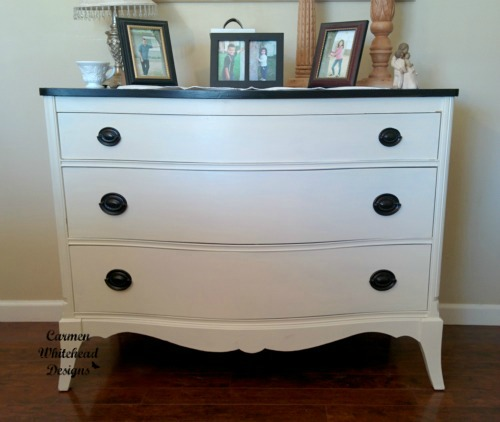 New dresser for my entryway is the perfect addition! www.carmenwhitehead.com